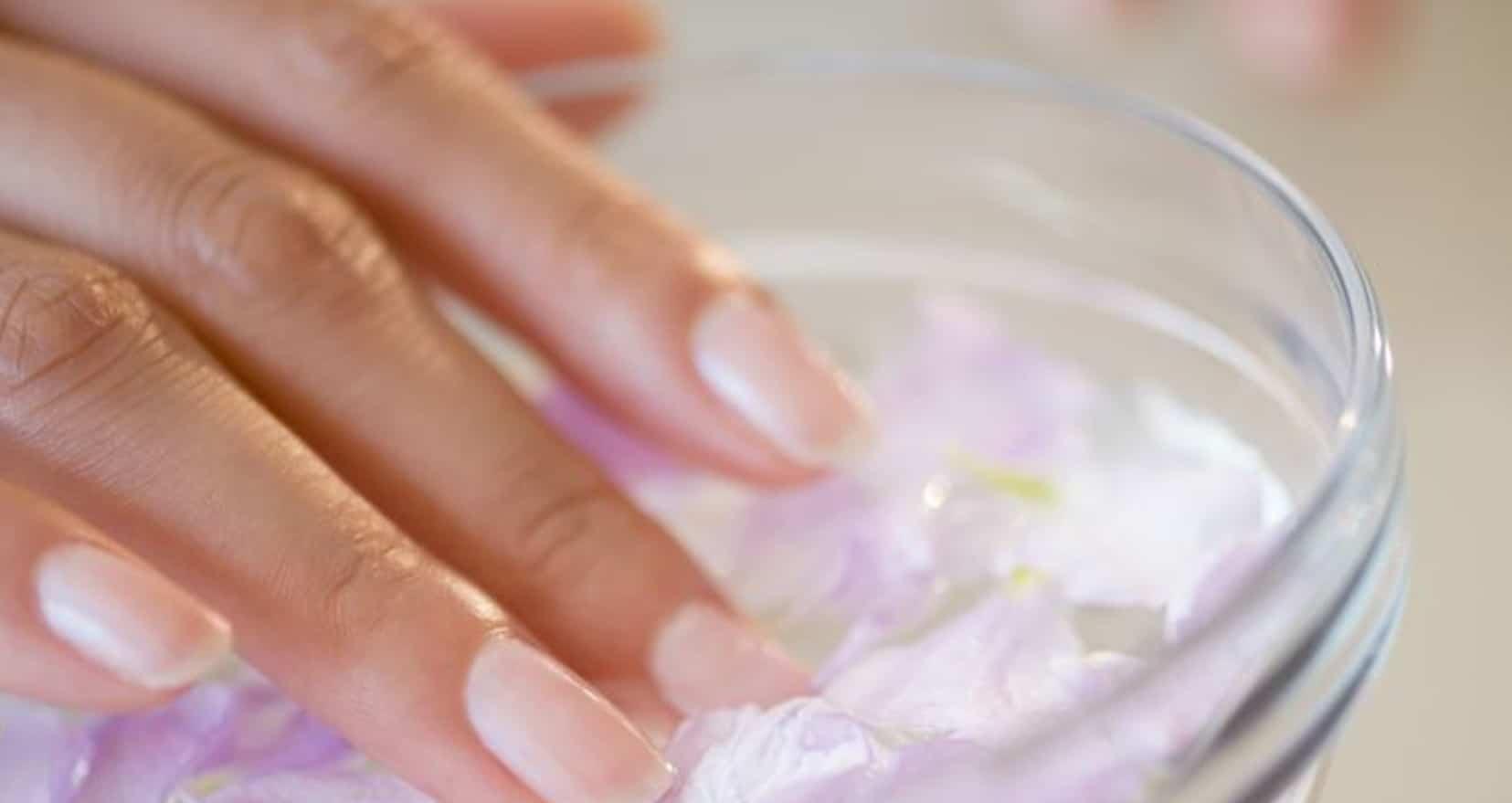 Quels soins des ongles entre deux manucures ?