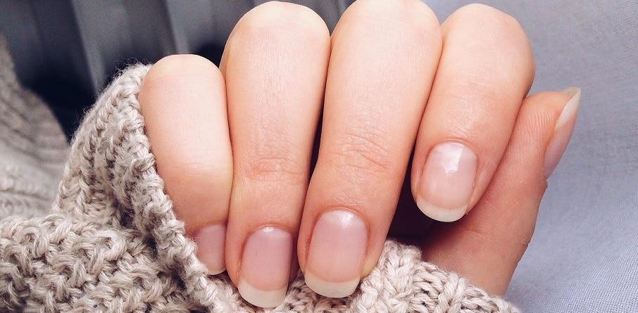 est ce mal de vernir ses ongles